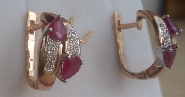 Золотые серьги с бриллиантами и натуральными рубинами