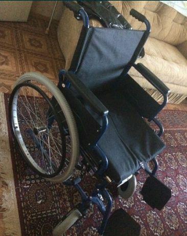 Продам инвалидную коляску новая