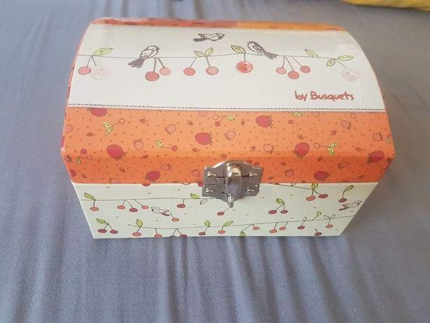 Caixa decorativa para crianças