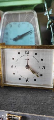 Relógio de mesa mecânico