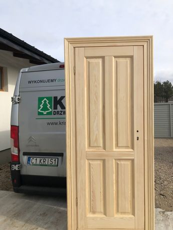 Drzwi drewniane sosnowe z opaską retro model ss-7