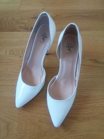 Buty szpilki białe, ślubne 39 wysoki obcas lakierowane