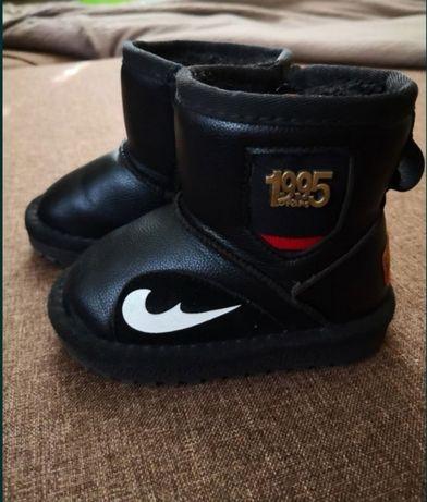 Зимові черевики 21 розмір