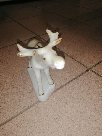 Фарфорова статуетка