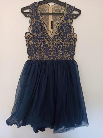 Koronkowa sukienka 38