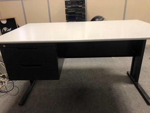Mobiliário Escritório, 3 secretárias, 2 armários altos, 2 mesas apoio