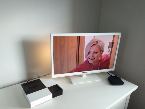 Biały telewizor LED Blaupunkt 23 cale