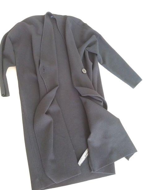 Plaszczyk dzianinowy Zara