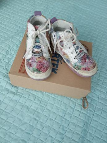 Buty dla dziewczynki BARTEK - rozmiar 24