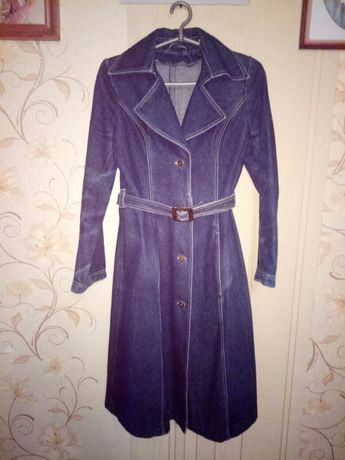 Продам джинсовый плащ ( пальто)
