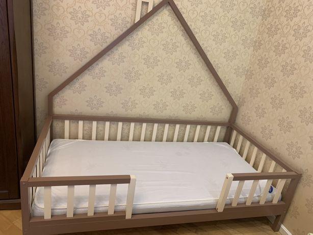 Кровать детская с МАТРАСОМ ,, размер спального места 100/200