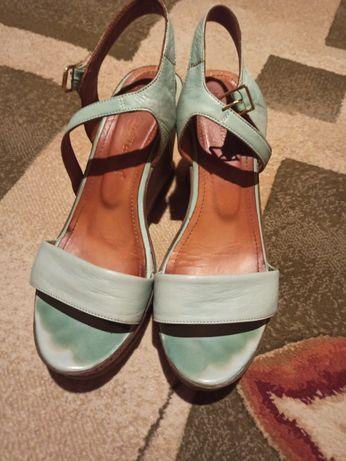 Жіноче взуття , 39 розмір