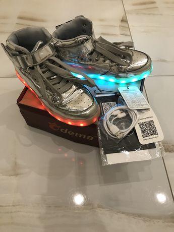 Ботинки с подсветкой