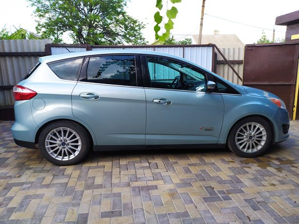 Продам или обменяю Ford C-Max плагин-гибрид 2014г.