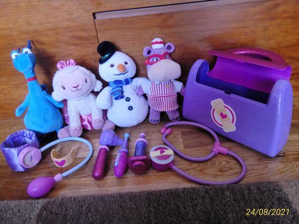 Mala da Doutora Brinquedos e peluches