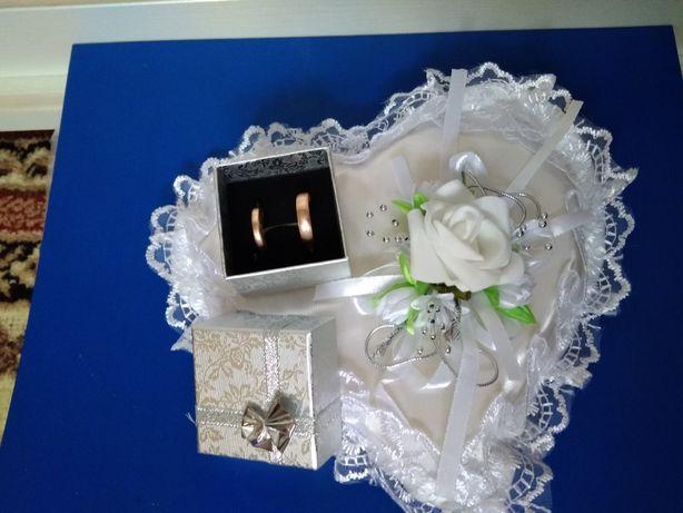 Продам весільні аксесуари