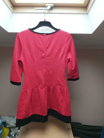 Czerwona sukienka r.40