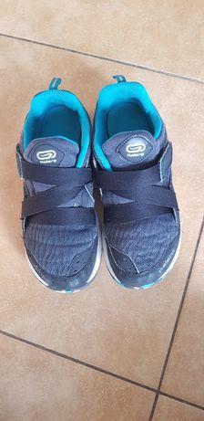 Дитячі брендові кросівки