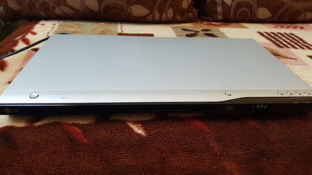 Odtwarzacz DVD player firmy LG