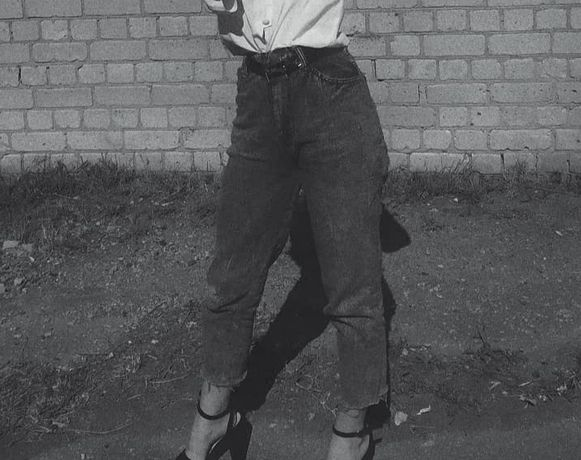 джинсы. синий цвет. размер с-м