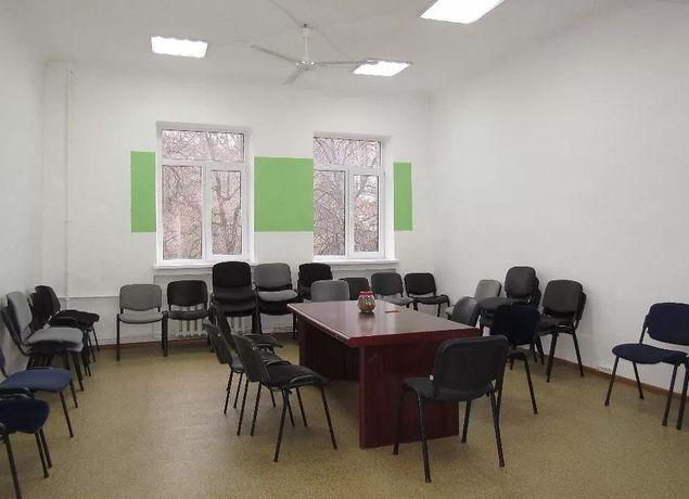 Меблированный офис 40 м2 с ремонтом ул Гринченко 5 минут к м Майдан