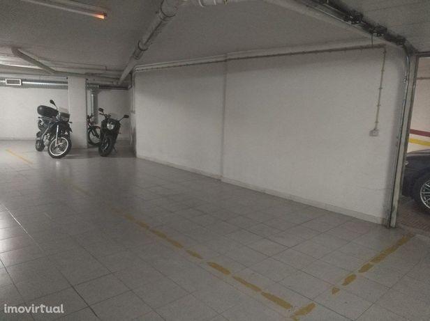 Garagem  Arrendamento em São Domingos de Benfica,Lisboa