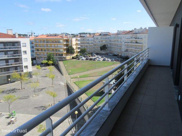 Apartamento T3+1 duplex novo na Urbanização Santa Clara.