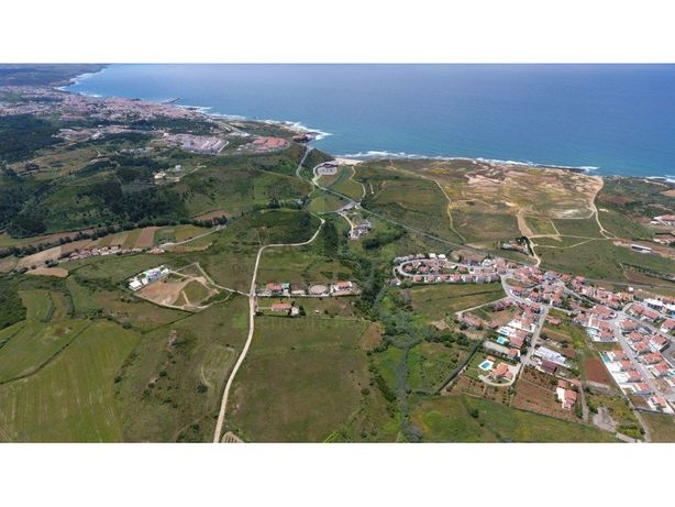 Terreno com ótima vista de mar a 4 km da Ericeira.