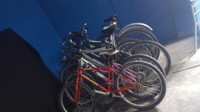 Varios tamanhos bicicletas