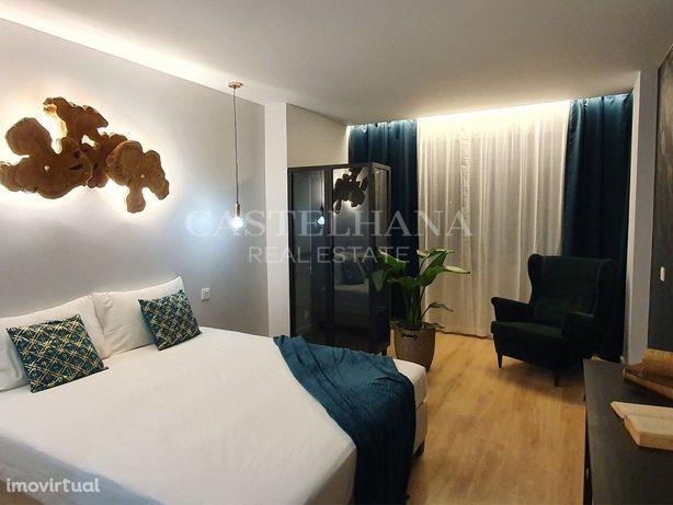 Apartamento T4 de origem remodelado, mobilado e decorado ...