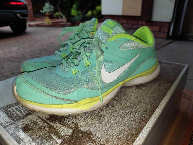 Turkusowe buty firmy Nike rozm 37,5