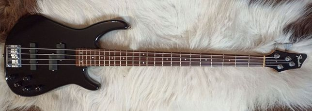 Fender Dimension IV Bass Made in Mexico