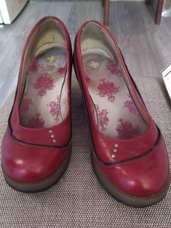 Очень удобные кожаные туфли dr.martens 38 размер устойчивый каблук