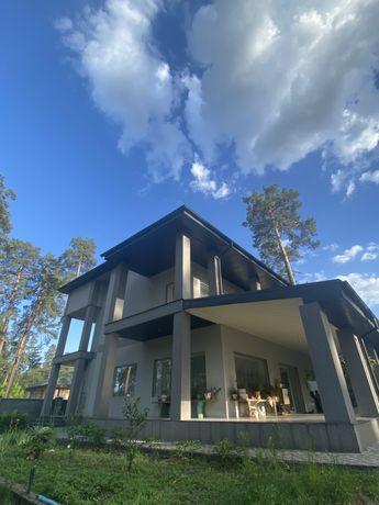 Отличный большой дом, для жизни или под бизнес. Ворзель.