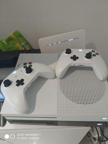 Konsola Xbox one S 1t +pad