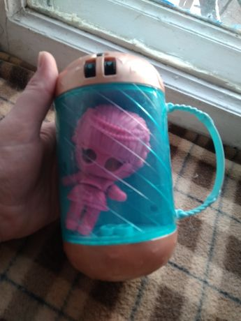 Игрушка капсула LOL девочка в розовом костюме