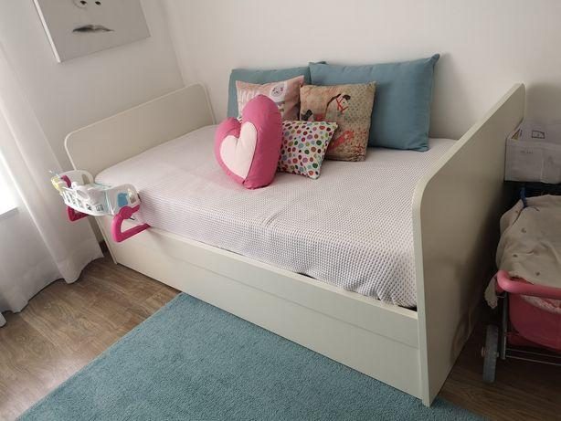 Vendo cama dupla de solteiro e Cómoda