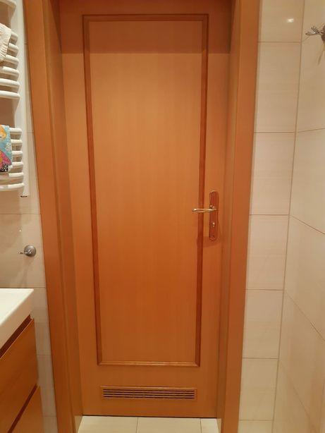 Drzwi łazienkowe 70 z ościeżnicą