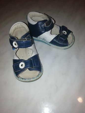 Продам дитячі ортопедичні босоніжки