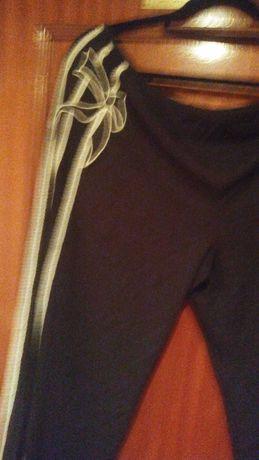 calca preta   com efeito de lado