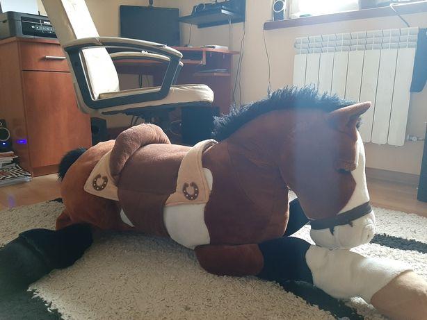 duża zabawka-pluszak