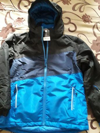 Новая куртка на мальчика 8-10 лет, 134/140 см.