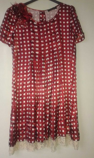 Продается  платье  зксклюзивный  вариант.  Произв Италия. 42-44