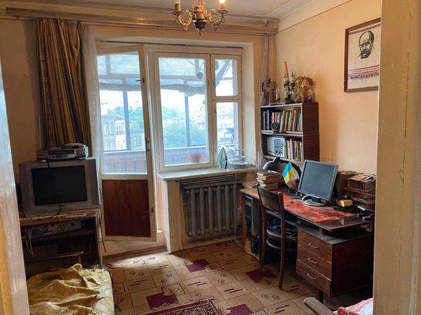 Продаю 3-кімн. квартиру по вул. Пстрака