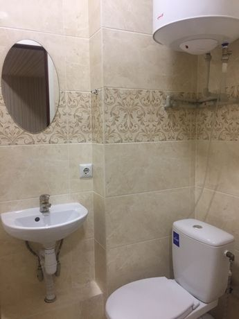 Сдам однокомнатную с Новым ремонтом возле метро Масельского не дорого