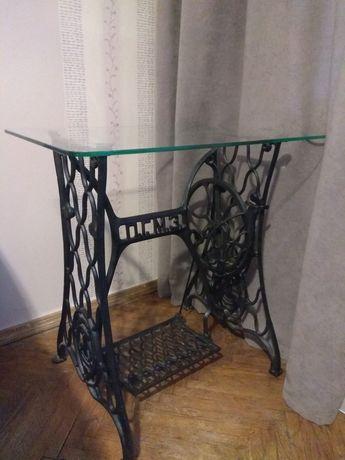 Декоративный столик стекло- чугун