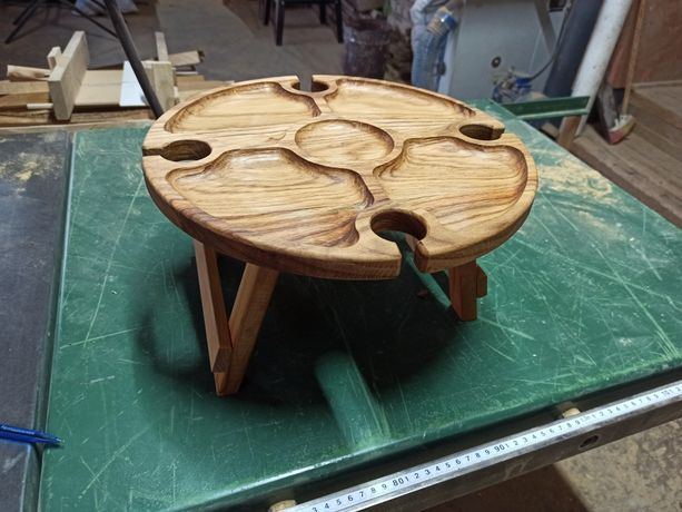 Столик для вина з дуба,дубовий винний столик