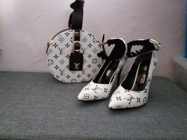Nowe  buty szpilki    lv