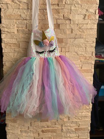 Нарядное платье единорог