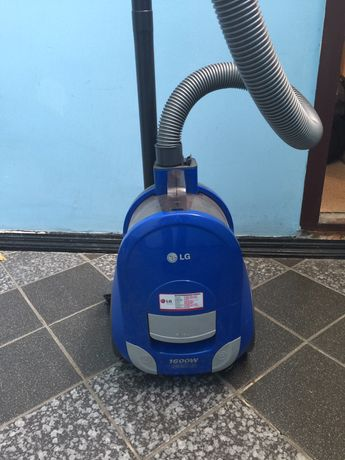 Пылесос LG 1600 Watt
